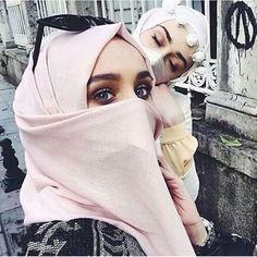 | Pinterest: Rosh Muslim Women Fashion, Arab Fashion, Arab Girls, Muslim Girls, Hijabs, Modest Outfits, Modest Fashion, Cosy Outfit, Hijab Fashion Inspiration