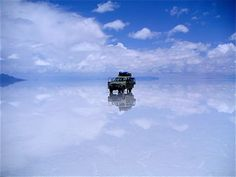 Located in Bolivia, Salar de Uyuni or Salar de Tunupa is the world's largest salt flat sits at a lofty and covers an astonishing sq km sq mi). Salar is a consequence o. Beautiful Places To Visit, Cool Places To Visit, Places To Travel, Amazing Places, Travel Things, Amazing Things, Travel Destinations, Mysterious Places On Earth, Bolivia Travel