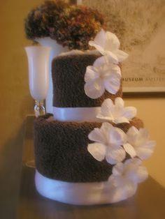 Le creazioni di Carmen: Torte finte decorative Vase, Floral, Flowers, Jewelry, Home Decor, Jewlery, Decoration Home, Jewerly, Room Decor