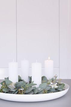 Die schönsten Wohn- und Dekoideen aus dem November | SoLebIch.de - Foto von Mitglied Schönsinn #solebich #interior #einrichtung #inneneinrichtung #deko #decor #weihnachten #christmas #advent #Weihnachtsdeko #christmasdecor #adventsdeko #adventdecor #adventskalender #adventcalendar #eukalyptus #whitecandles #weißekerzen