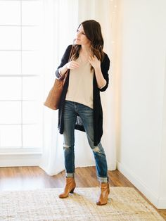 super ideas for cognac ankle boats outfit jeans Booties Outfit, Bootfahren Outfit, Outfit Jeans, Outfit Work, Ankle Boots Outfit Winter, Winter Boots, Legging Outfits, Sweater Outfits, Casual Winter Outfits