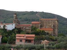 Iglesia de la Purísima Concepción de Cadalso, el primer pueblo del Valle del Árrago. Merece mucho la pena llegar a Cadalso a través de la estrecha carretera que nos trae hasta aquí desde Torre de Don Miguel.