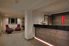 Die Rezeption mit Hotellobby Modern, Home Decor, Image, Environment, Front Desk, Cottage Chic, Homemade Home Decor, Trendy Tree, Interior Design