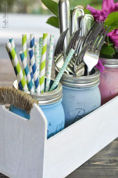 Mason Jar Crafts are a quick and easy project, there are so many fun ideas to make mason jars fun! Grab some glass mason jars and enjoy these craft ideas. Pot Mason Diy, Mason Jar Kitchen, Mason Jar Bathroom, Mason Jar Lids, Mason Jar Crafts, Bathroom Wall, Diy Jars, Bottle Crafts, Bathroom Lighting