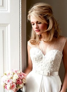 Bride's half up short bridal #hair ideas ToniK #Wedding #Hairstyles ♥ ❷ Lovely wedding dress gown www.weddingchicks.com/2013/01/10/elegant-pastel-wedding-2/