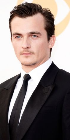 Hitman Movie Delayed by Six Months - Homeland's Rupert Friend as Agent 47 in the upcoming movie. Image credit: ScreenrantFox International has delayed the release of upcoming Hitman movie, Agent 47. The Hollywood