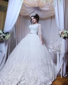 Մեր գեղեցկուհի հարսիկը։ Հալաբյան 3/5 ☎077-82-34-79 010-39-00-89 #semillaweddingsalon #weddingdecor #bride #ourdresses #luxurydresses #weddingdresses2017 #weddingdress #bridalshop #eventplanner #свадебноеплатье #свадьба #հարսիշոր #հարսանիք http://butimag.com/ipost/1498743671801346869/?code=BTMm23HFXs1