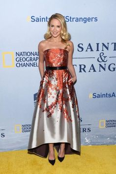 Anna Camp from The Best of the Red Carpet Hello fall! This floral satin Sachin & Babi Noir gown is the epitome of sophisticated glamour. Anna Camp, Pitch Perfect, Best Celebrity Dresses, Celebrity Style, Beverly Hills, Kimberly White, Elegant Summer Dresses, Beautiful Dresses, Beautiful Women