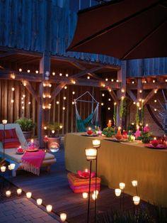 Balkon gestalten Kerzenlicht romantische Beleuchtung Ideen