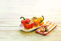 Bio-Rezept: Geröstete Paprika mit Quinoa-Feigen-Füllung auf Cashew-Safran-Schaum - RAPUNZEL NATURKOST