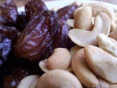 The Inner Gourmet: Homemade Lara Bars (Cashew Cookie)