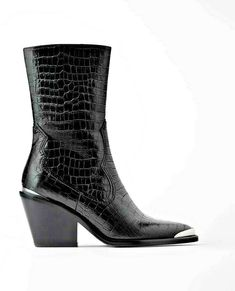 Zara Cowboy snake skin Leather ankle boots heel 38 black western metallic detail #Zara #Western Leather High Heels, Leather Ankle Boots, Suede Leather, Black Leather, Wedge Heel Boots, Black Heel Boots, Heeled Boots, Snakeskin Cowboy Boots, Makeup Online