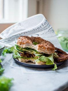 Vihreät tempebagelit (vegaani) – Viimeistä Murua Myöten