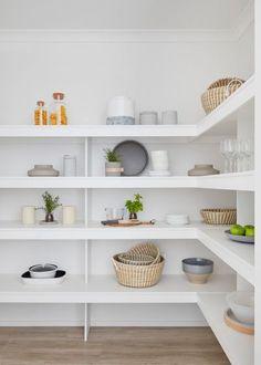 Walk-in Pantry Designs & Ideen Walk-in Pantry Designs & Ideas - Own Kitchen Pantry Pantry Room, Pantry Cupboard, Pantry Shelving, Walk In Pantry, Kitchen Pantry Design, Interior Design Kitchen, Kitchen Decor, Kitchen Ideas, Diy Outdoor Kitchen