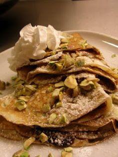 Chocolate and pistachio pancakes.