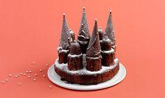 Geburtstagskuchen Schloss: Kuchen: Butter, Zucker und Salz gut verrühren, Eier nach und nach beigeben und weiterrühren. Kakao, Mehl und Backpulver mischen, ...