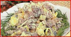 Doriți să vă răsfățați familia cu o salată delicioasă cu gust apetisant? Încercați această rețetă originală de salată, care se prepară foarte simplu, este incredibil de gustoasă, foarte sățioasă, cu gust aromat și aspect foarte apetisant. Această salată poate fi servită chiar și pe masa de sărbătoare. Încercați-o neapărat! INGREDIENTE -6 cartofi fierți -1 ceapă (sau praz) -450 g de carne fiartă -5 ouă fierte -200-250 g de ciuperci marinate -mărar, sare și semințe de pin după gust -maioneză… Potato Salad, Pork, Potatoes, Beef, Chicken, Ethnic Recipes, Crafts, Diy, Food