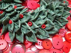 Polka Dot Pineapple: Faux Boxwood Mini Wreath