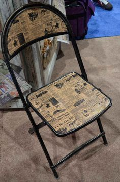 decoupage a folding chair with old newspapers or sheet music for a great colour combination. Decoupage Furniture, Furniture Making, Painted Furniture, Diy Furniture, Repurposed Items, Repurposed Furniture, Folding Chair Makeover, Metal Folding Chairs, Eames Chairs