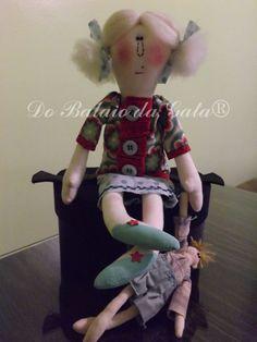 """Jovem vovó """"cuidando"""" do neto. rsrs boneca americana modelada e executado por Do Balaio da Gata, by zipaulino"""