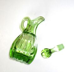 Vintage Imperial Glass Cruet with stopper olive by designfrills