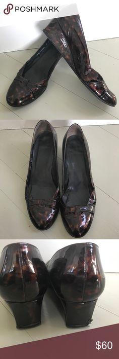 Stuart Weitzman tortoise print patent heel EUC Patent leather Name has worn off inside Size 7M Stuart Weitzman Shoes Heels