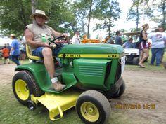 John Deere 210 lawn & garden tractor