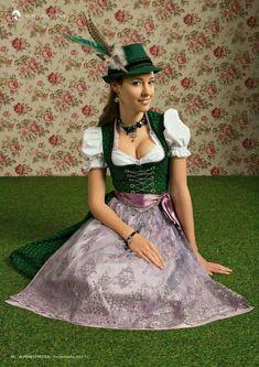 German Girls, German Women, Super Cute Dresses, Lovely Dresses, White Girls, White Women, Beer Girl, Folk Clothing, Dirndl Dress