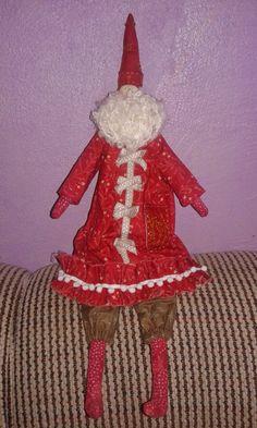 Noel Tilda Nicolau  - Com um certo requinte e beleza provençal , ótima sugestão para decorações natalinas.
