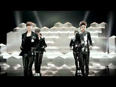 CROSS GENE  'La-Di Da-Di' M/V Full Ver.  This group recently debuted, and I really liked this song and their dancing style.