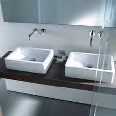 Duravit offers various modern countertop basins, wash-bowls, vessel basins or console basins in a plain and remarkable design for your bathroom. Bathroom Worktops, Countertop Basin, Countertops, Bathroom Furniture Design, Vanity Basin, Modern Sink, Shared Bathroom, Wooden Bathroom, Wood