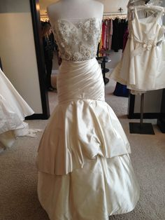 Lazaro 3206 Size 4 Wedding Dress