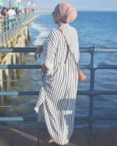 Santa Monica pier #california #cali #santamonica #hijab #voguehijabs #hijabtreasure #hijabfashion #hijab #hijaber