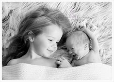 Newborn photography with sibling