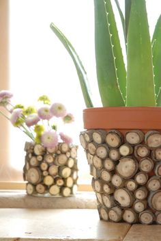 Heres how you can turn a leftover can or vase into an eye-catching piece of eco-décor. Slice of Nice This is a simple way to turn a humble vessel into an eye-catching piece of eco-décor. It's the perfect project to create right after