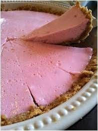 An extremely easy marshmallow and yogurt tart. It is perfect for a tea-time snack or an after-dinner sweet. Easy Desserts, Delicious Desserts, Dessert Recipes, Yummy Food, Sweet Desserts, Tart Recipes, Sweet Recipes, Baking Recipes, Microwave Recipes