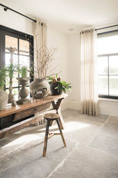 kitchen ideas – New Ideas Foyer Flooring, Stone Tile Flooring, Natural Stone Flooring, Living Room Flooring, Kitchen Flooring, Living Room Decor, Stone Kitchen Floor, Concrete Kitchen, Stone Interior
