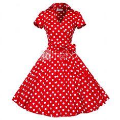 Los vestidos vintage son mis favoritos para una tarde al aire libre. Este vestido me recuerda la película ¨Grease¨