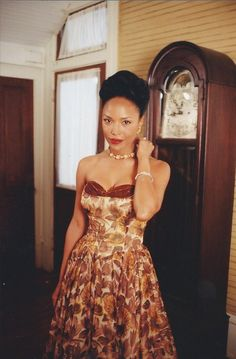13 Images of Southern Style Inspiration from Eve's Bayou – Black Southern Belle Viria, Lynn Whitfield, Southern Belle Style, Southern Gothic, Gothic Fashion, Vintage Fashion, Striped Gloves, Beautiful Cocktail Dresses, Vintage Black Glamour