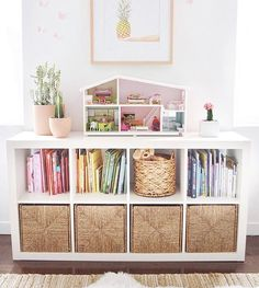 Girls playroom - Kids room organization is always a challenge but here are a few principles to go with sort books by color 🌈 keep storage low so… Playroom Design, Playroom Decor, Playroom Closet, Playroom Ideas, Colorful Playroom, Toddler Room Decor, Diy Toy Storage, Storage Ideas, Book Storage Kids