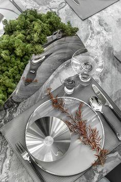 【新提醒】高级灰,简洁更有范 | 库玛设计-拓者设计吧 Coffee Table To Dining Table, Dining Room Bar, Kitchen Dinning, Kitchen Decor, Vase Deco, Table Place Settings, Vases, Entertainment Table, Table Furniture