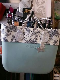 O Bag, Fashion Bags, Shoulder Bags, Clock, Handbags, Purses, Style, Feltro, Outfit