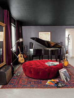 Adam Levine's Hollywood Hills home music room Casa Adam Levine, Adam Levine House, Home Music Rooms, Music Studio Room, Music Bedroom, House Music, Music Life, Casa Sexy, Sexy Home