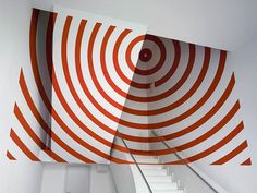 These Geometric Paintings Create Eye-Deceiving Illusions That Will Play With Your Mind