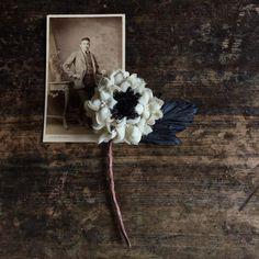 2018/11/26 バラのコサージュ すずらんのコサージュ ・ 金沢の生活雑貨のお店LINEさんに納品しました。 @zakkayaline 今年もお店で染め花Horryのお花達をご覧いただけます。 画像の他にも野の花タイプのコサージュを納品しました。… Art Flowers, Flower Art, Photographs And Memories, Summer Sky, Handmade Flowers, Flower Crafts, Corsage, Brooches, Greenery