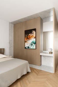 En plein cœur de Saint-Germain-des-Prés, le jeune designer Ramy Fischler vient de réaliser une œuvre totale dans un appartement à la trame ultra-classique © Vincent Leroux