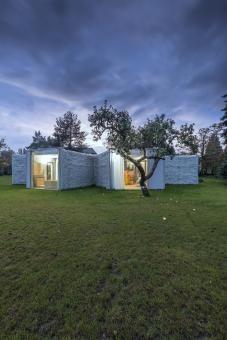 Chameleon House by Petr Hájek - Architekti