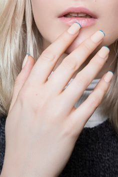 There are many Shapely Minimalist Nail Art which vary from just a dot to simple border on your nails. It is better to try these looks. Minimalist Nails, Matte Nails, Black Nails, Blue French Manicure, French Manicures, Colorful Nail Art, Blue Tips, Manicure Y Pedicure, Makeup To Buy