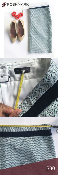 Green and navy chevron skirt Amazing quality skirt from the limited!  lengh:21 sz 10 size tag fell, measurements are provided. Great condition! All items come from a pet and smoke free home. The Limited Skirts Pencil