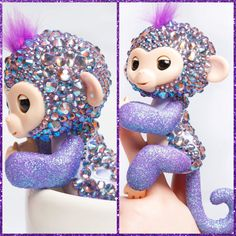Beautiful bling and glittery Finger Monkey! Little Live Pets, Little Pet Shop, Lol Doll, Fingerlings Monkey, Baby Doll Furniture, Disney Cosplay, Xmas Presents, Toys For Girls, Baby Dolls